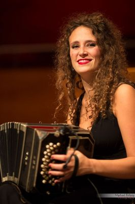 Orquesta Silbando, am Bandoneon Carmela Delgado auf dem XIX. Tangofestival 2016 in Wuppertal